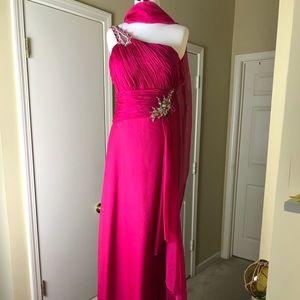 Eureka_One Shoulder Gown